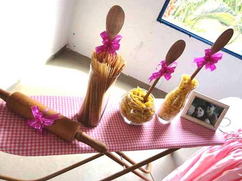 15 IDEIAS Decoraç u00e3o para Chá de Panela + Planejamento -> Decoração De Chá De Cozinha Simples E Barato