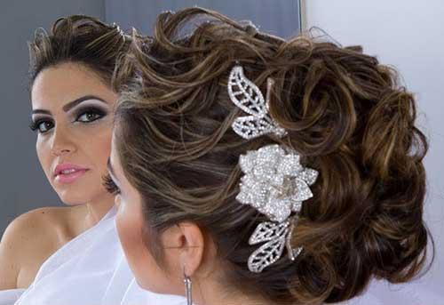penteados para noivas com detalhes