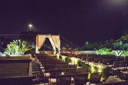 Decoraç u00e3o de Casamento ao Ar Livreà Noite com Luzes!