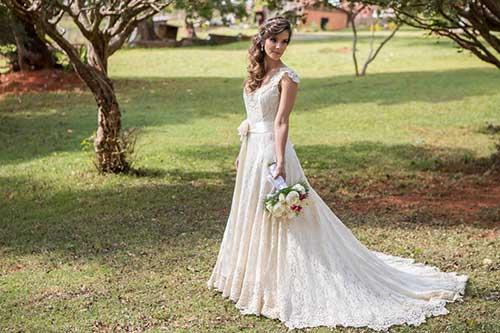 vestido para casamento no campo