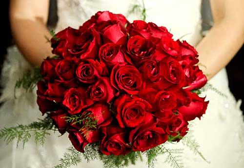 modelo de buquê vermelho de noiva