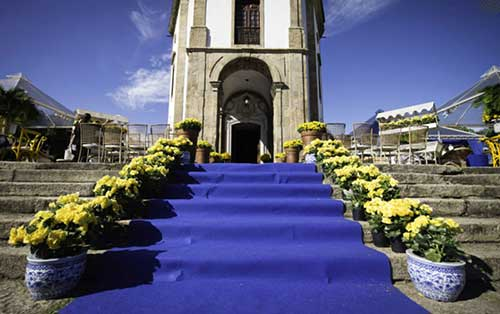 decoracao de festa azul marinho e amarelo:cores e faz uma parceria incrível com o amarelo. Combina com festa
