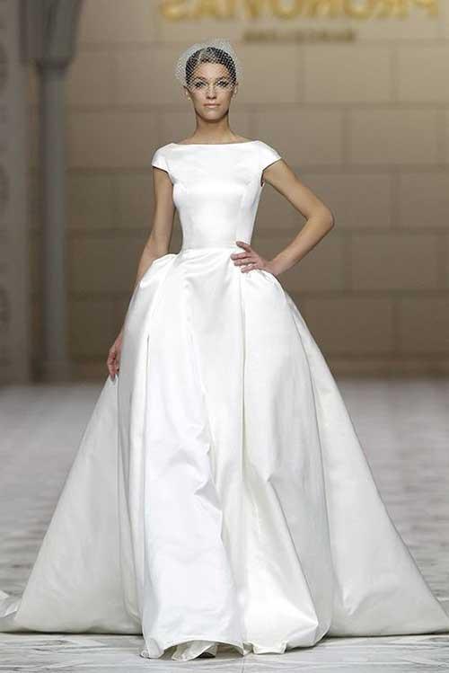 eda71a7373 30 Modelos de Vestidos de Noiva Lisos para Casar (Looks)