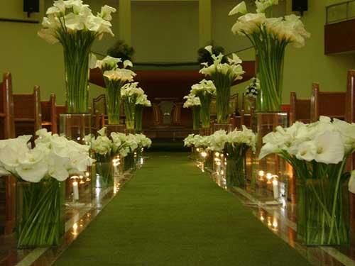 igrejas decoradas com tulipas