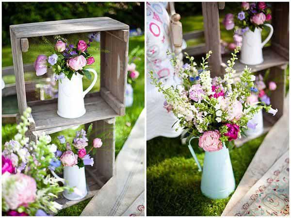 com vasos de flores