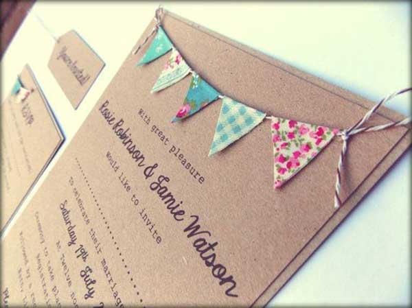 Bandeirinhas no convite do casamento