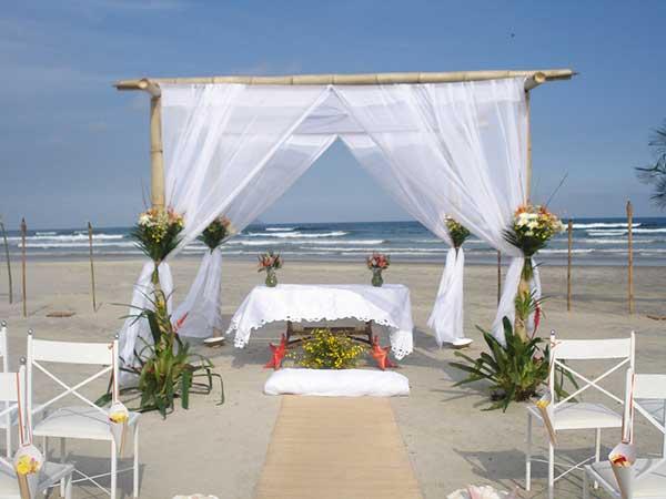 fotos de altar de casamento